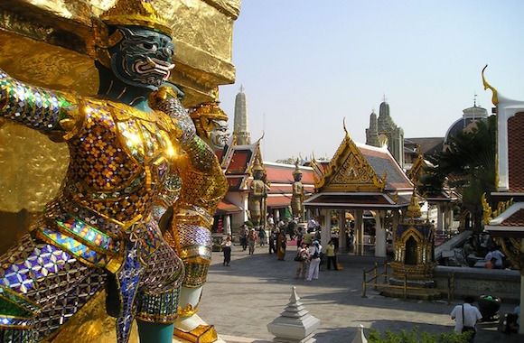 Bangkok grandpalace temple statue
